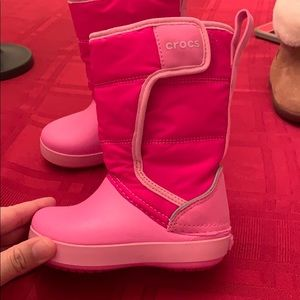 Crocs girls snow boots